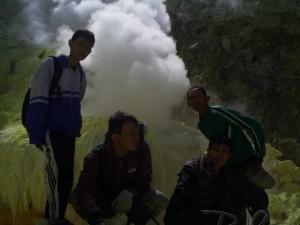 pendakian-gunung-welirang-Kebun Belerang