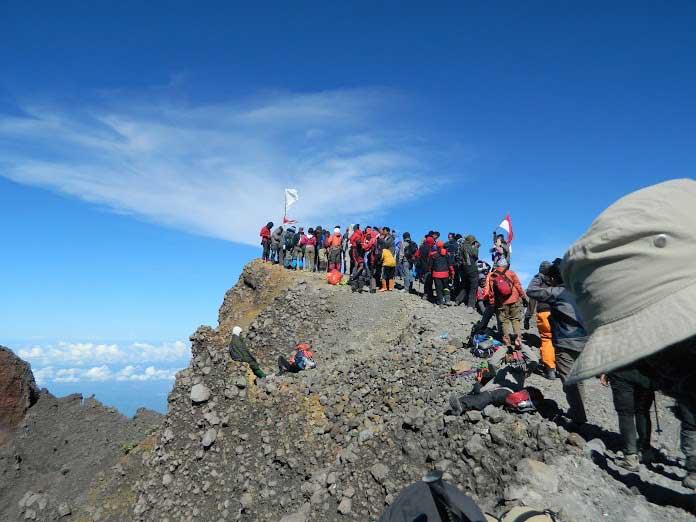 Rincian biaya persiapan mendaki Gunung Rinjani