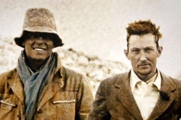 Mallory-and-Irvine pendakian gunung everest
