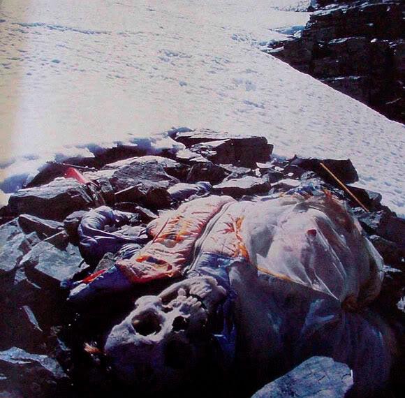 Mayat - Mayat beku kuburan es Gunung Everest