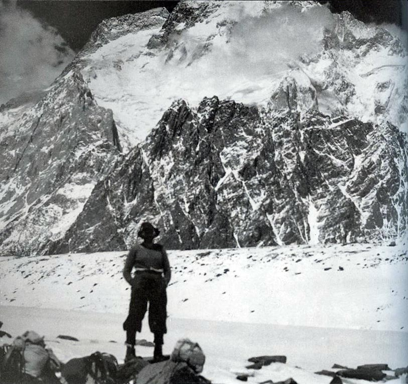 Dudley Wolfe. Hari terakhir sebelum mencapai basecamp K2. 31 Mei 1939